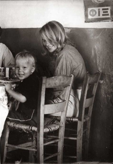 Marianne Ihlen with her son Axel Joachim at Grafos taverna