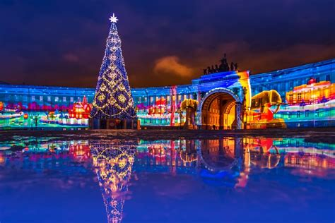 New year tree on the Palace Square in St