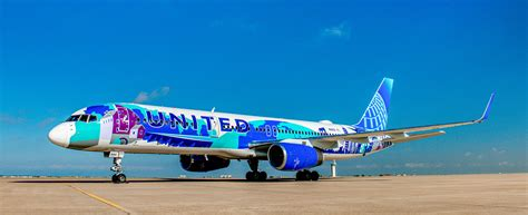 United rolls out Boeing 757 with special NYC-area paint scheme