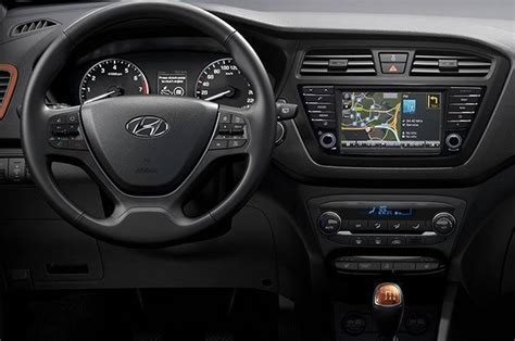 Hyundai i20, i20 Active with touchscreen now on sale