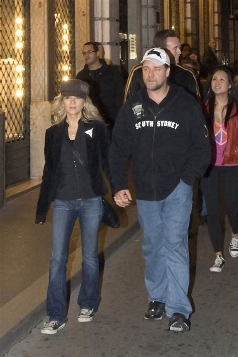 Russell Crowe and Danielle Spencer Photos Photos - Russell