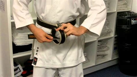 How to tie your Karate Belt - A step by step guide - YouTube