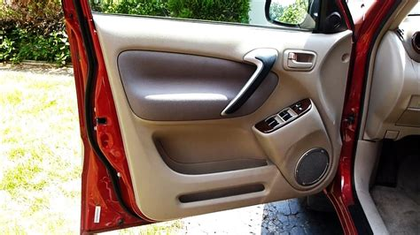 How to Remove a Door Panel in a Toyota RAV4 (2001 to 2005