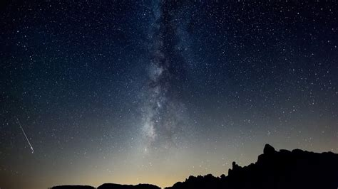 Joshua Tree during the 2013 Perseid Meteor Shower - YouTube